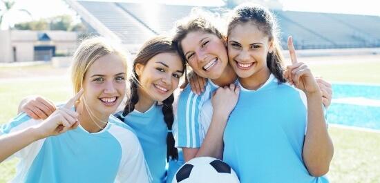 Можно ли заниматься спортом при месячных?